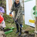 Omenaa Mensah wspiera walkę ze smogiem