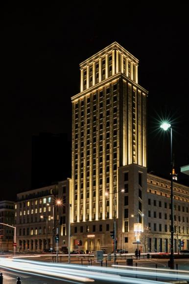 Versace zainspirowany budynkiem Prudential tworzy kolekcję dla Vitkaca