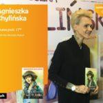 """Agnieszka Chylińska z książką """"Zezia, miłość i bunt na statku"""" w salonie Empik P"""