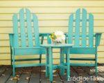 Kolory w ogrodzie nie tylko dzięki kwiatom – malowanie mebli tarasowych czy elementów małej architektury ogrodowej na nietuzinkowe kolory
