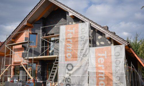Jesień – ostatnia szansa na termoizolację budynku Ocieplenie domu w tym sezonie wciąż realne